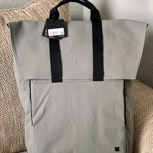 NWT🍋Lululemon Early Embark Backpack Carbon Dust